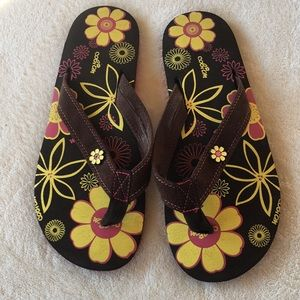 COBIAN FLORAL AND BROWN SUEDE FLIP FLOP SANDALS